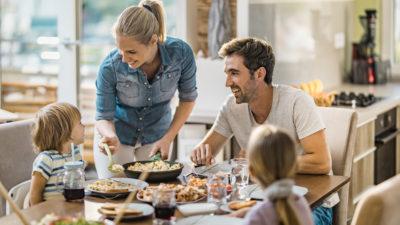 Ferah bir yemek odası altın tavsiyeler